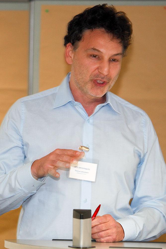 Thomas Jehnichen ergänzt Aktivitäten und Probleme der Stadt-Sektion Erfurt · © Andreas Lahn