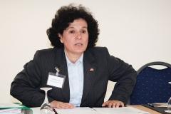 Maria Fátima Vega, stellvertretende Vorsitzende der DPG und Versammlungsleiterin spricht über die Aktivitäten des LV Hessen