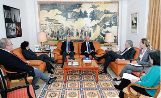 Foto vom Besuch Michael W. Wirges in der Botschaft Portugals