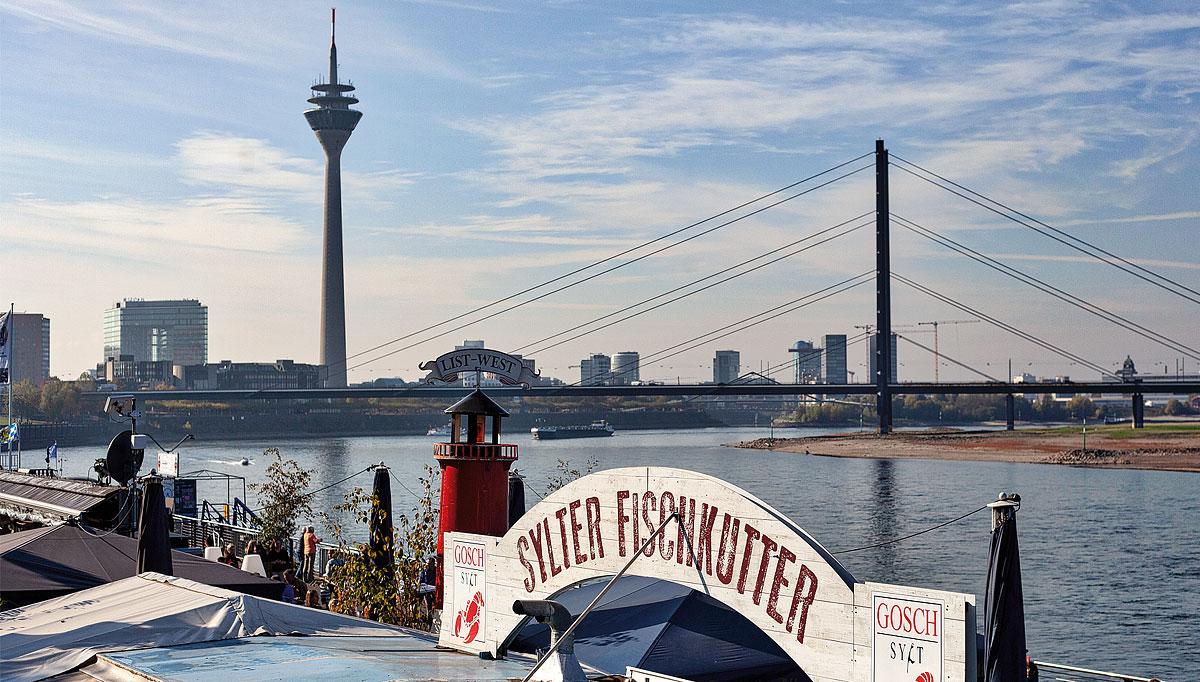Foto von Düsseldorf: Blick auf den Rhein