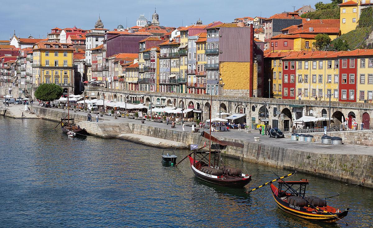 Foto mit Blick auf die Ribeira in Porto