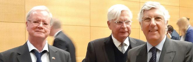 Foto von Michael W. Wirges und den Botschaftern S.E. Dr. Christof Weil und S.E. João Mira Gomes