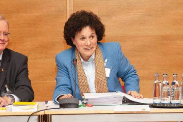 Foto vom alten und neuen Vorstand der Deutsch-Portugiesischen Gesellschaft DPG
