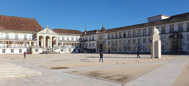 Foto des Patio der Universität von Coimbra