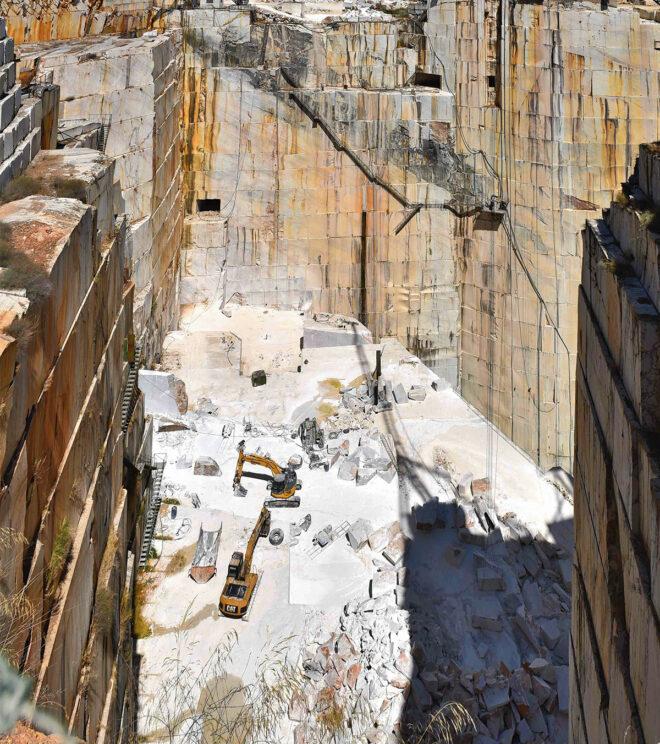 Foto eines Marmorsteinbruchs bei Vila Viçosa