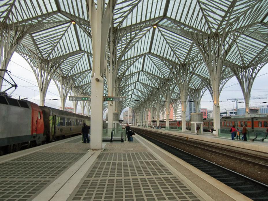 Foto vom Bahnhof Oriente in Lissabon