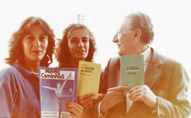 Foto von drei Mitgliedern der Associação Portugal–RDA